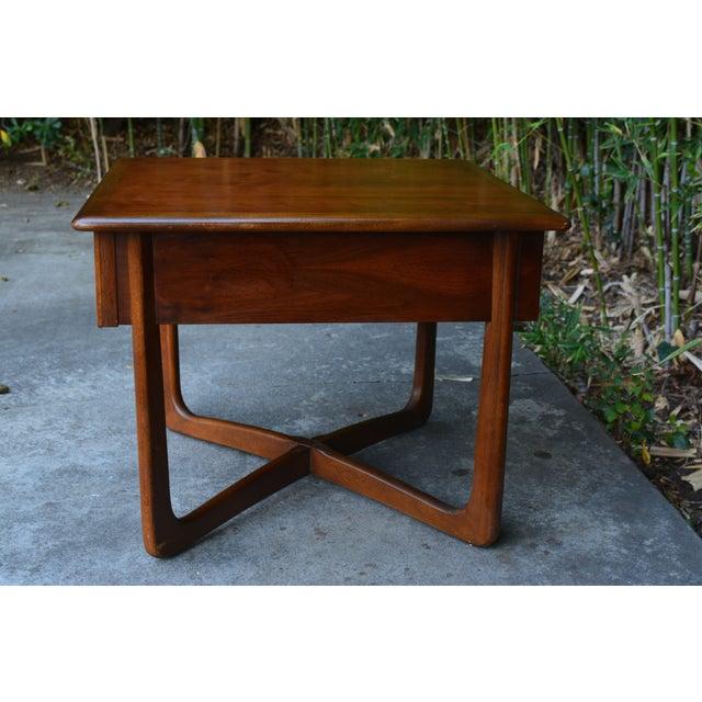"Lane ""Perception"" Mid-Century X-Base Side Table - Image 3 of 6"