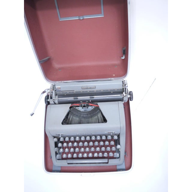 Vintage Royal Quiet Deluxe Typewriter - Image 4 of 9