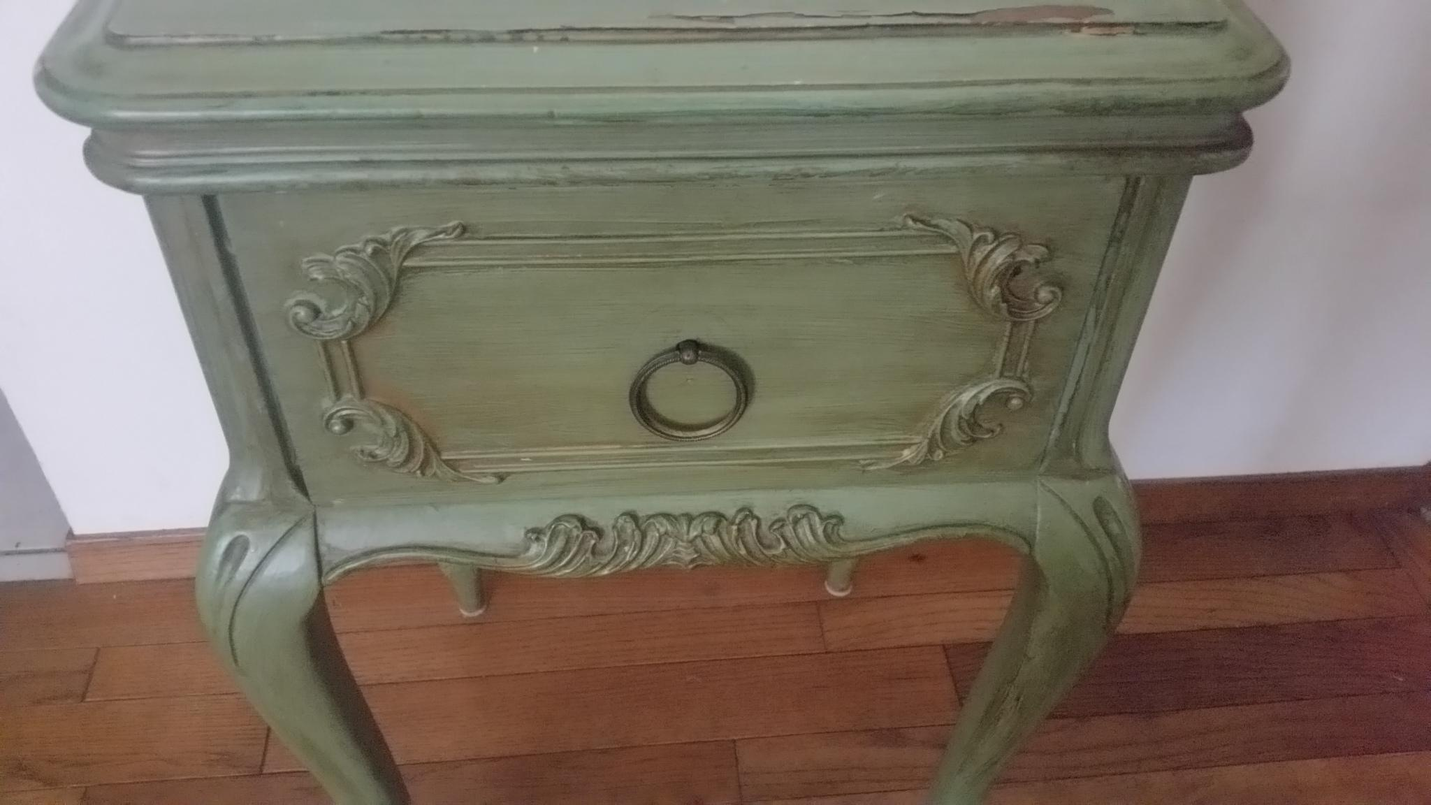 Antique Widdicomb Furniture Co. French Provincial Side Table   Image 8 Of 8