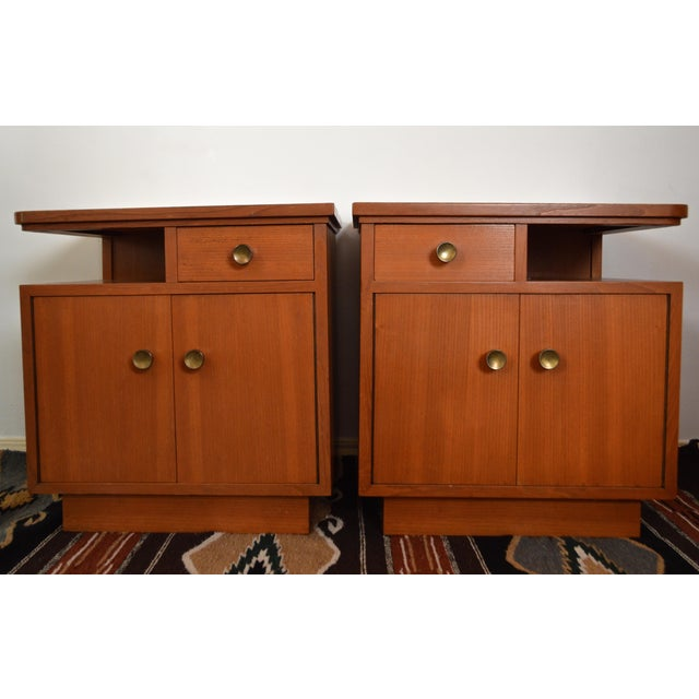 Mid-Century Red Oak Nightstands - A Pair - Image 2 of 11
