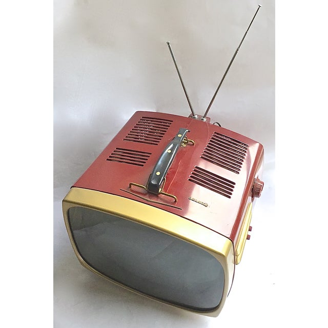 Mid-Century Modern RCA Victor DeLuxe Portable TV - Image 3 of 8