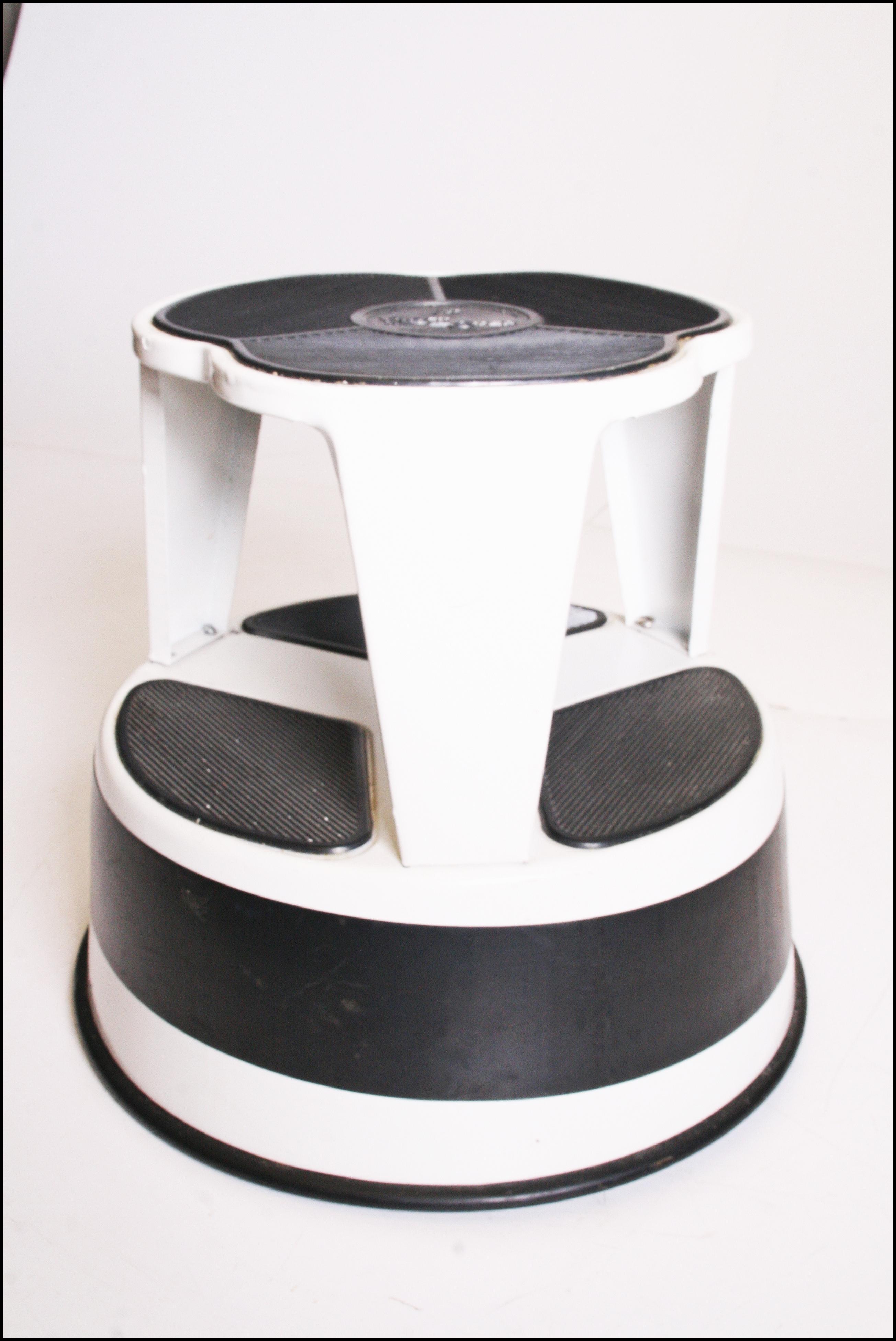 Mid Century Modern White Cramer Kik Step Rolling Foot Stool - Image 3 of 11  sc 1 st  Chairish & Mid Century Modern White Cramer Kik Step Rolling Foot Stool | Chairish islam-shia.org