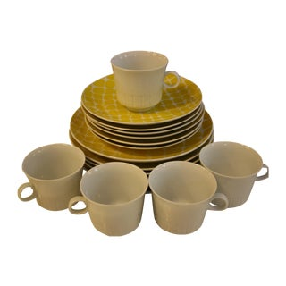 Yellow Giraffe Pattern Luncheon Set