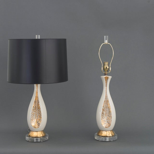 Pair of Danish Creamy White and Gold Table Lamps - Image 3 of 6