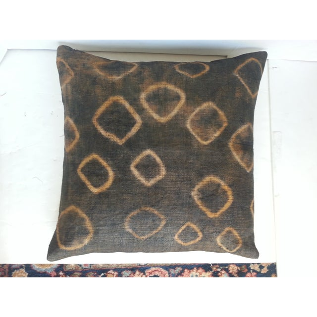 Image of African Gray Tie Dye Kuba Cloth Pillows - A Pair