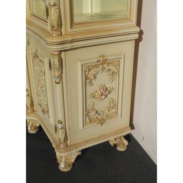 Vintage Off White Ornate Venetian China Cabinet - Image 8 of 11