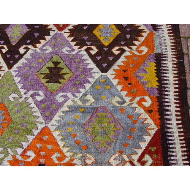 "Vintage Handwoven Turkish Kilim Rug - 4'11"" x 8'6"" - Image 4 of 10"