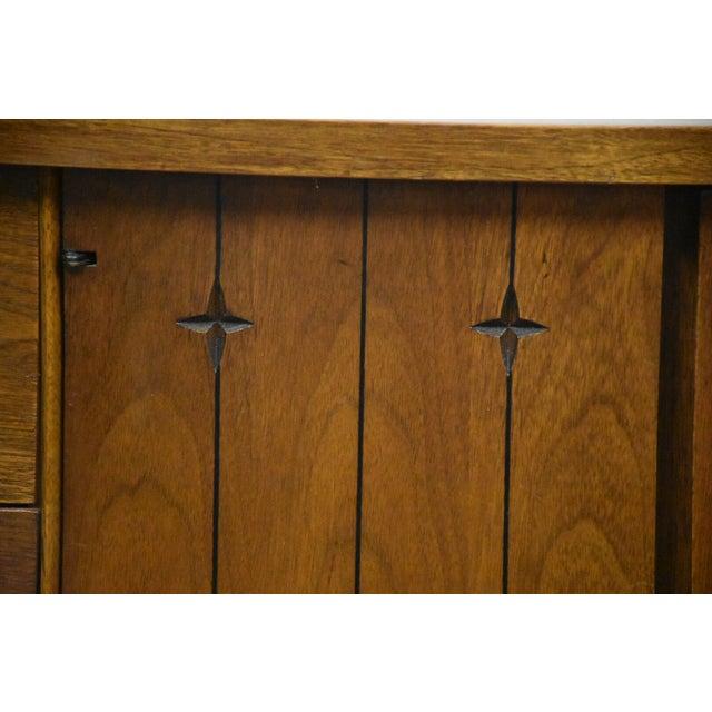 Broyhill Saga Star Studded Dresser - Image 11 of 11