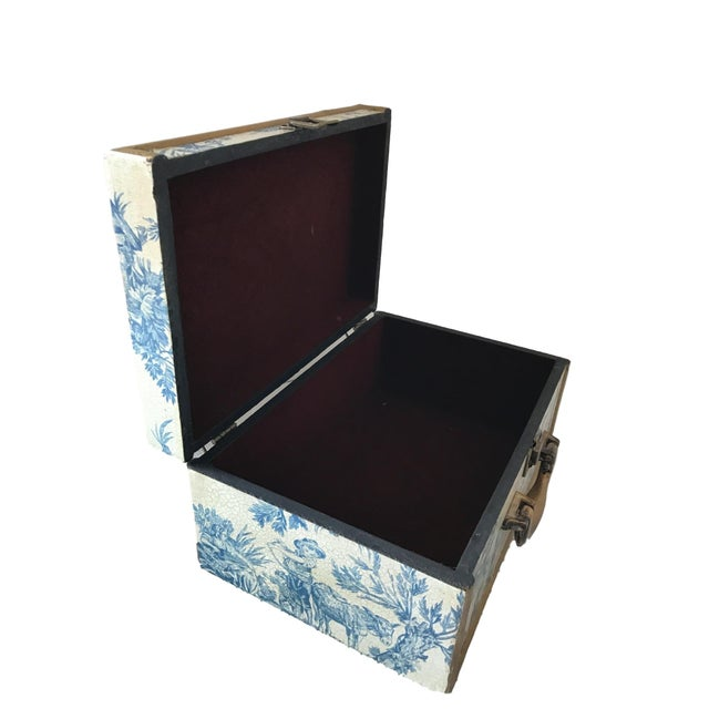 Antique Blue & White Toile Box - Image 9 of 9