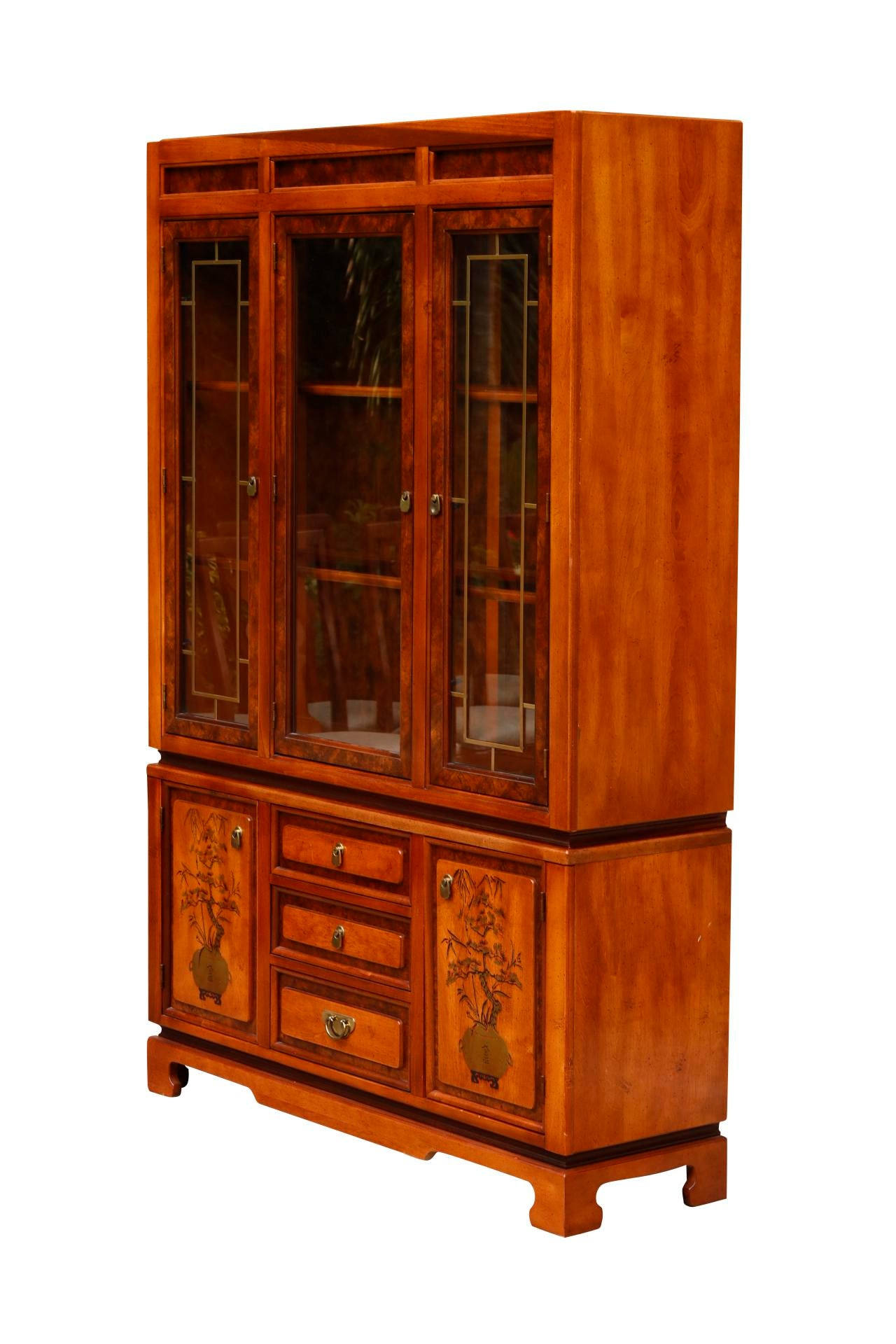 Ming Style China Cabinet By Bassett Furniture   Image 2 Of 7
