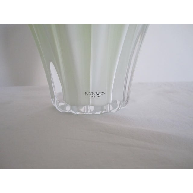 White And Neon Yellow Crystal Vase - Image 6 of 7