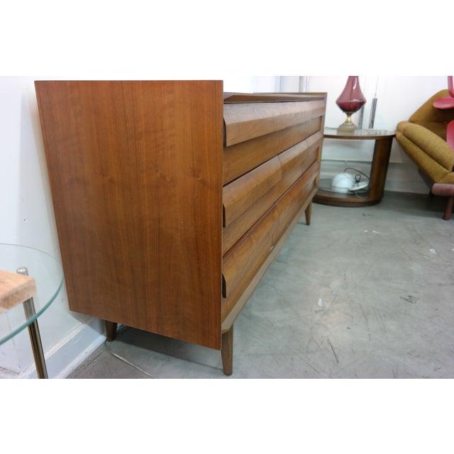 Mid-Century Lane Nine-Drawer Dresser - Image 4 of 7