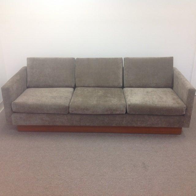 Mid Century Grey Sofa: Mid Century Modern Grey Velvet Sofa