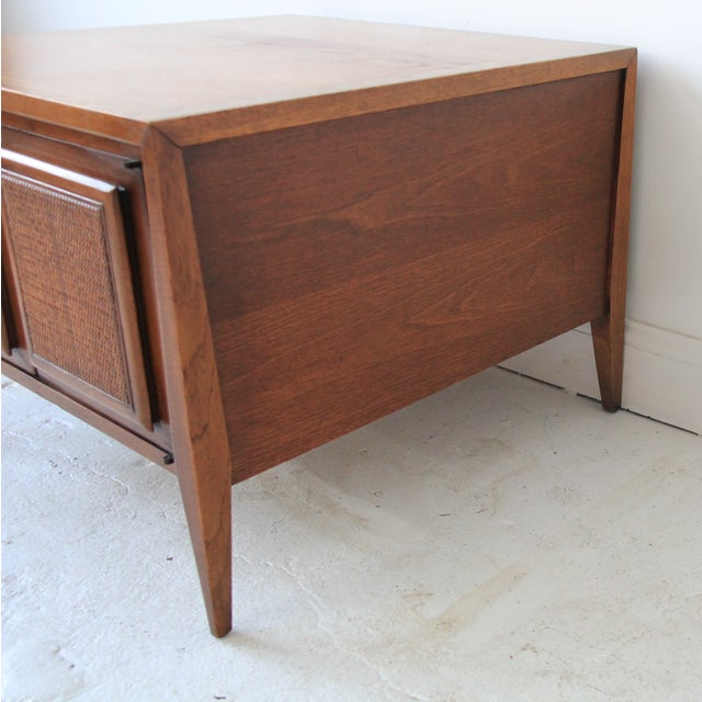 Vintage Mid Century Modern End Table - Image 5 of 6