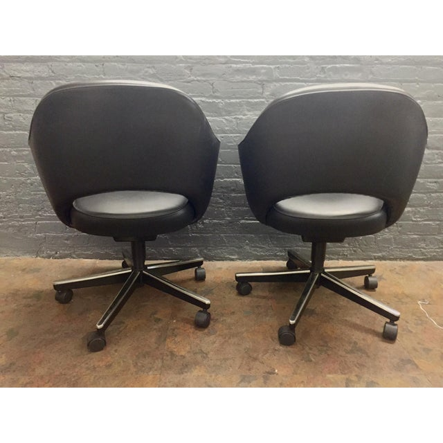 Eero Saarinen Knoll Blk Leather Chair -5 Available - Image 6 of 7