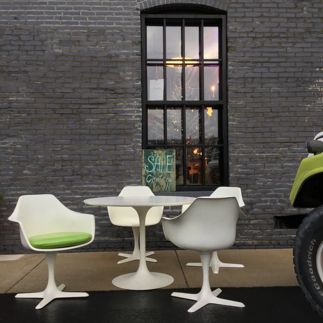 Saarinen Style Tulip Dining Set by Burke - Image 2 of 11
