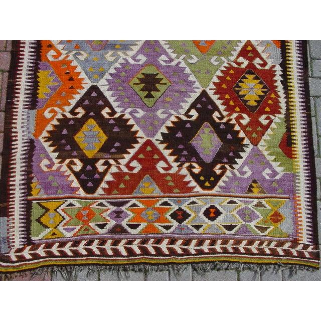 "Vintage Handwoven Turkish Kilim Rug - 4'11"" x 8'6"" - Image 6 of 10"