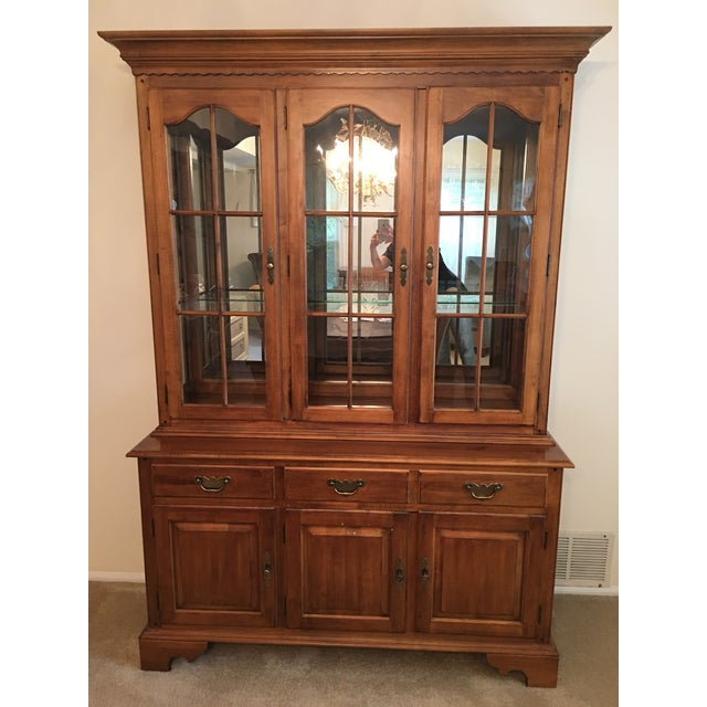 Ethan Allen Maple China Cabinet - Image 2 of 9