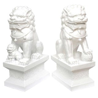 Indoor/Outdoor Lacquered Resin Massive Foo Dogs/Lions