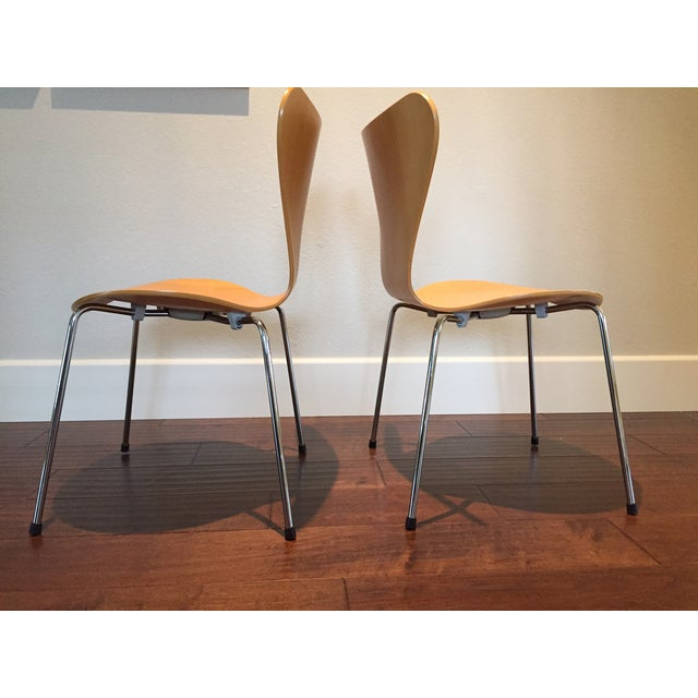 Image of Arne Jacobsen Series 7 Chair by Fritz Hansen -Pair