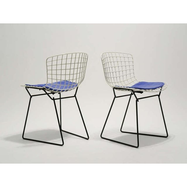 Pair of Bertoia child's chairs by Knoll - Image 5 of 9