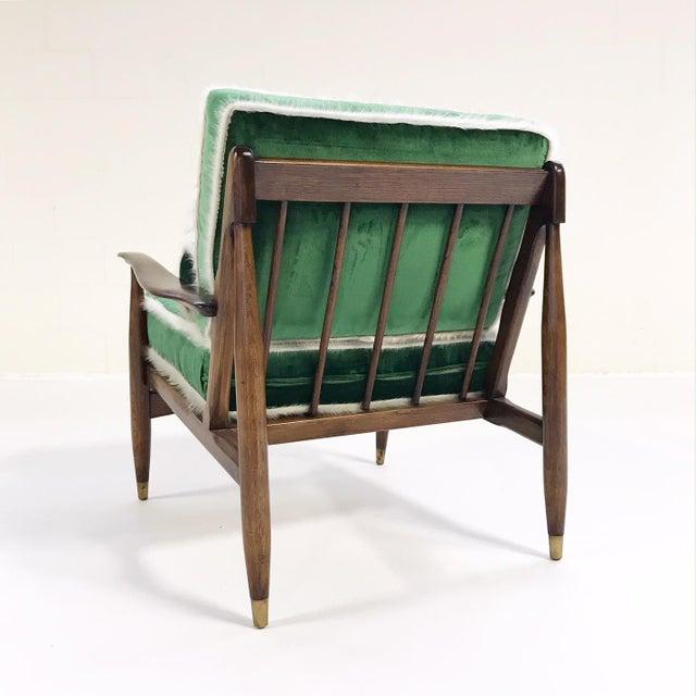 Vintage Walnut Lounge Chair Attributed to Finn Juhl Restored in Schumacher's Emerald Green Silk Velvet and Brazilian Cowhide - Image 5 of 10