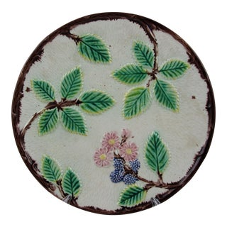 19th Century English Majolica Blackberry Plate