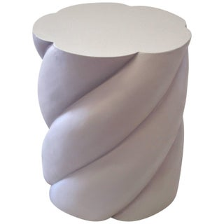 Large Round Helical Pedestal in Mastic Color