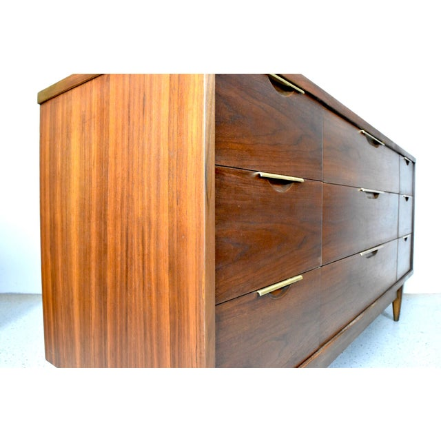 Kent Coffey 'The Tableau' Triple Dresser - Image 4 of 9