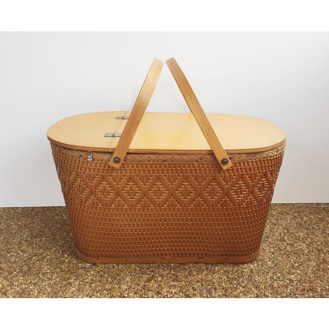 Image of Vintage Picnic Basket