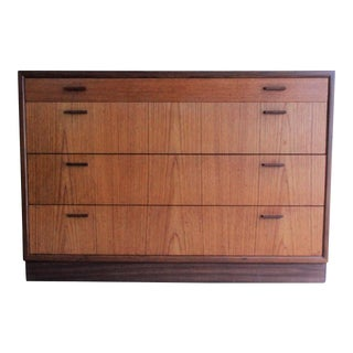 Hans Wegner Style Danish Mid-Century Modern Teak Chest of Drawers
