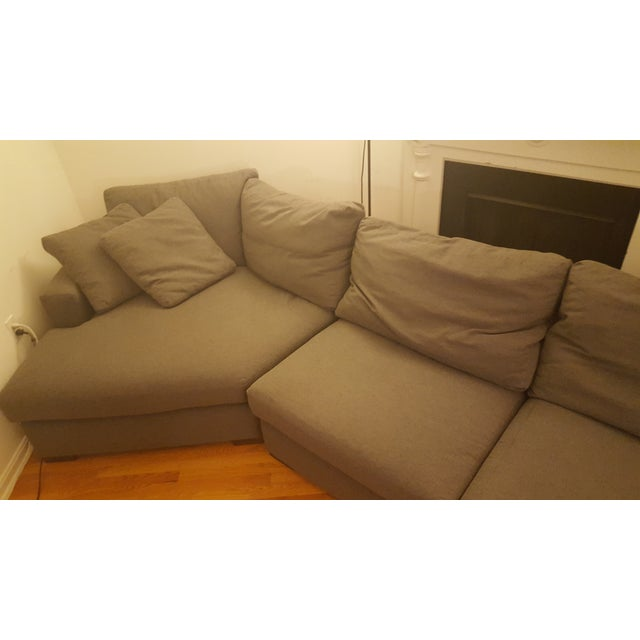 Metro sectional sofa room and board sofa menzilperdenet for Metropolitan sectional sofa chaise