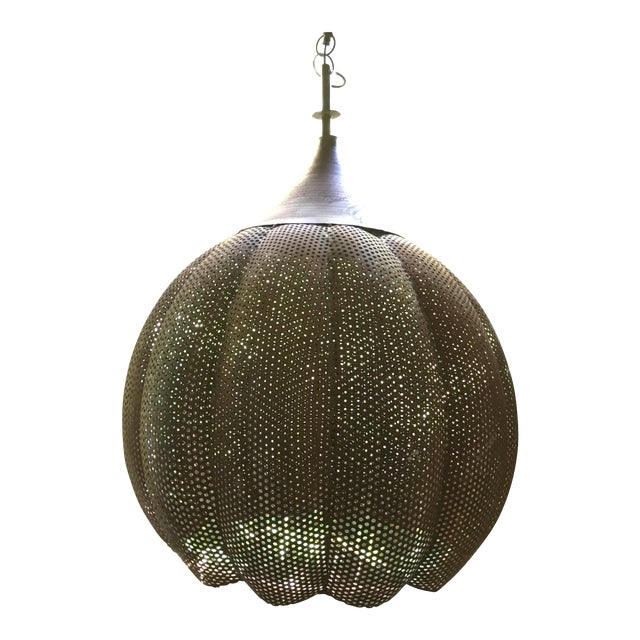 Image of Metal Pendant Light