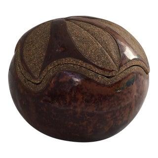 Scalloped Circular Potter Jar