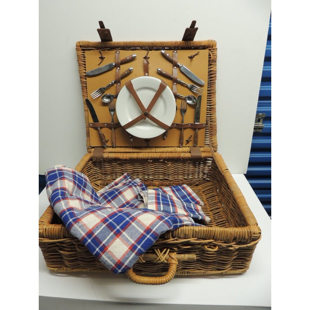 Vintage Picnic Wicker Basket - Image 2 of 9