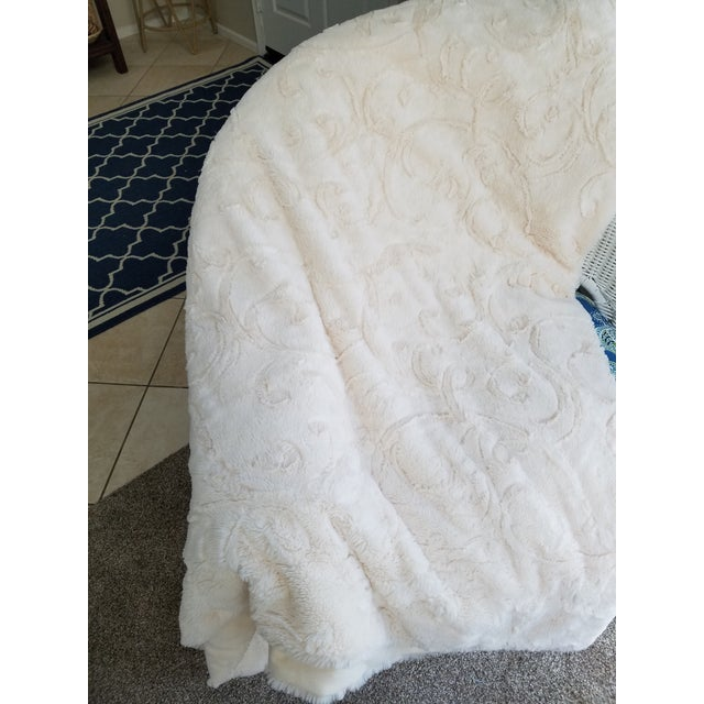 King Size Faux Fur Throw - Image 4 of 6