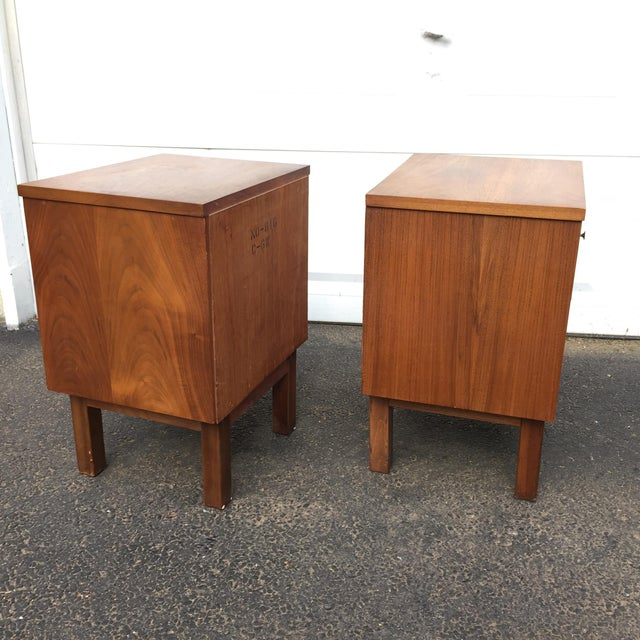 Mid-Century Modern Nightstands - A Pair - Image 5 of 11