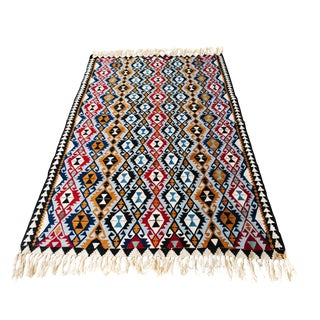 New Beginnings Turkish Kilim - 4′11″ × 7′6″