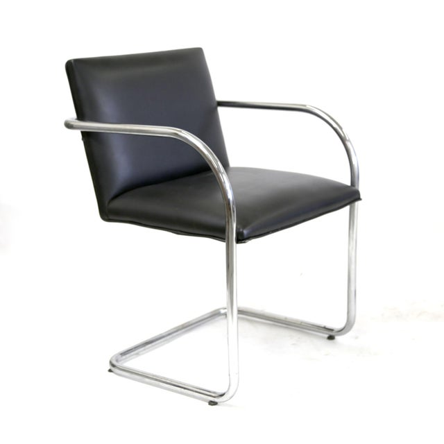 Replica bauhaus cantilever brno black leather chairs by for Mies van der rohe replica