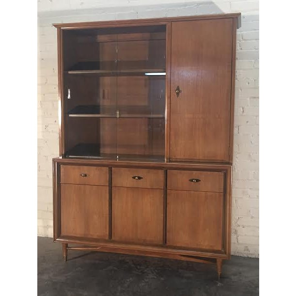 Mid-Century Modern China Cabinet by Kroehler - Image 9 of 9