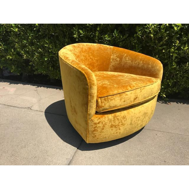 Barrel back swivel tilt chair by Milo Baughman - Image 2 of 4