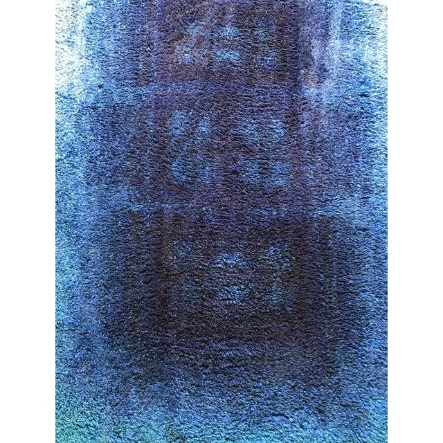 "Mid-Century Blue Rya Rug - 4'4"" x 6' - Image 4 of 5"