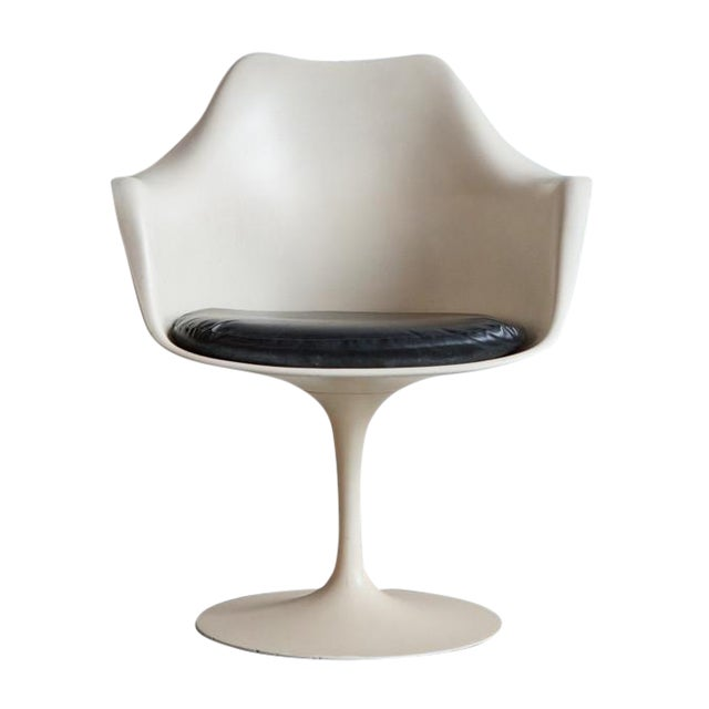 Saarinen for Knoll Tulip Chair - Image 1 of 4
