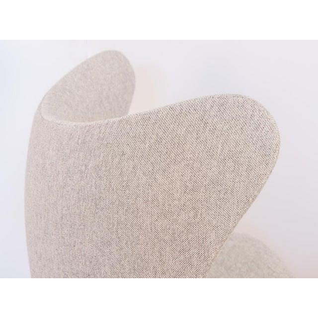Arne Jacobsen Egg Chair and Ottoman - Image 5 of 11
