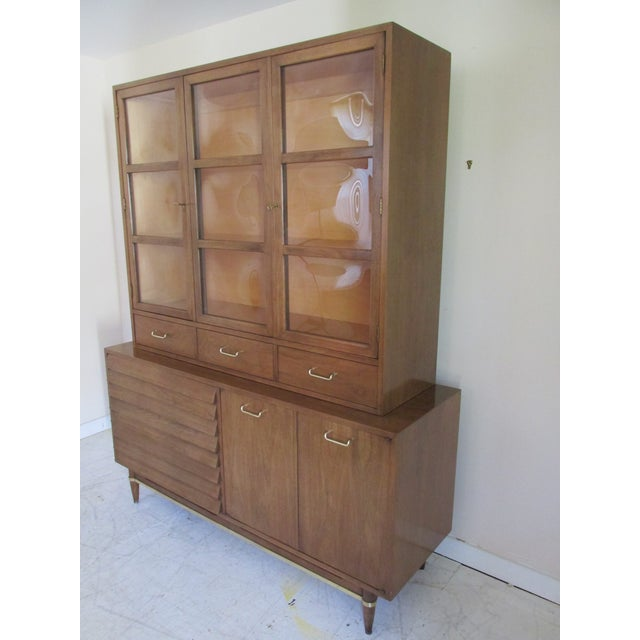 Mid-Century Modern China Cabinet by American of Martinsville - Image 3 of 11