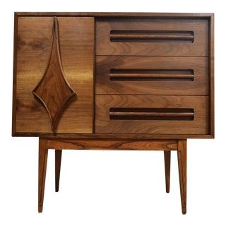 Young Mfg Mid-Century Modern Walnut Dresser