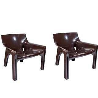 "Pair of ""Vicario"" Lounge Chairs by Vico Magistretti"