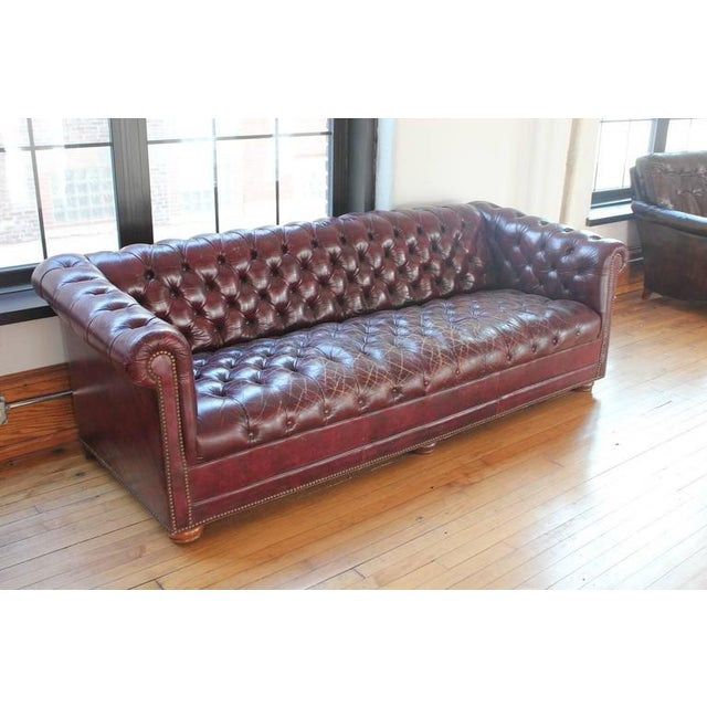 Exquisite Vintage Distressed Burgundy Leather Chesterfield Sofa - Chesterfield sofa