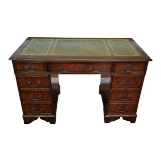 1980s English Reproduction Mahogany Leather Top Kneehole Desk