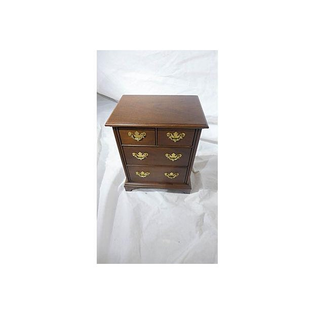 Diminutive Mahogany Dresser Box - Image 3 of 7
